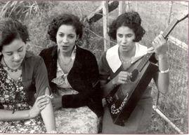 http://www.womensheartsandhands.com/creolewomen269.jpg